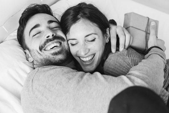 romance surprise couple