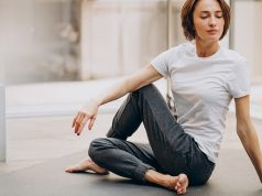 7 Stretches To Aid Sciatica, Hip Pain, And Lower Back Pain